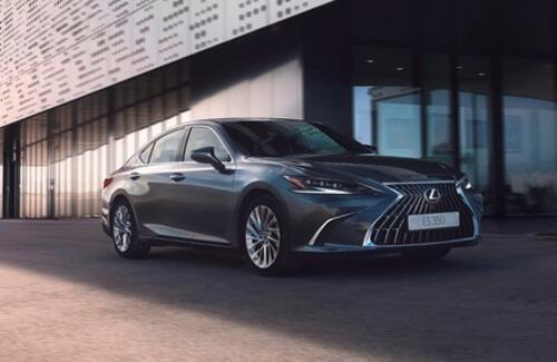 Lexus объявил старт продаж обновленного бизнес-седана Lexus ES
